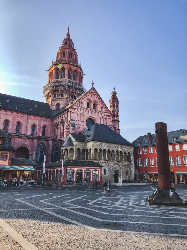Mainz Cathedral is the heart of the city and a must see during your 1 weekend in Mainz