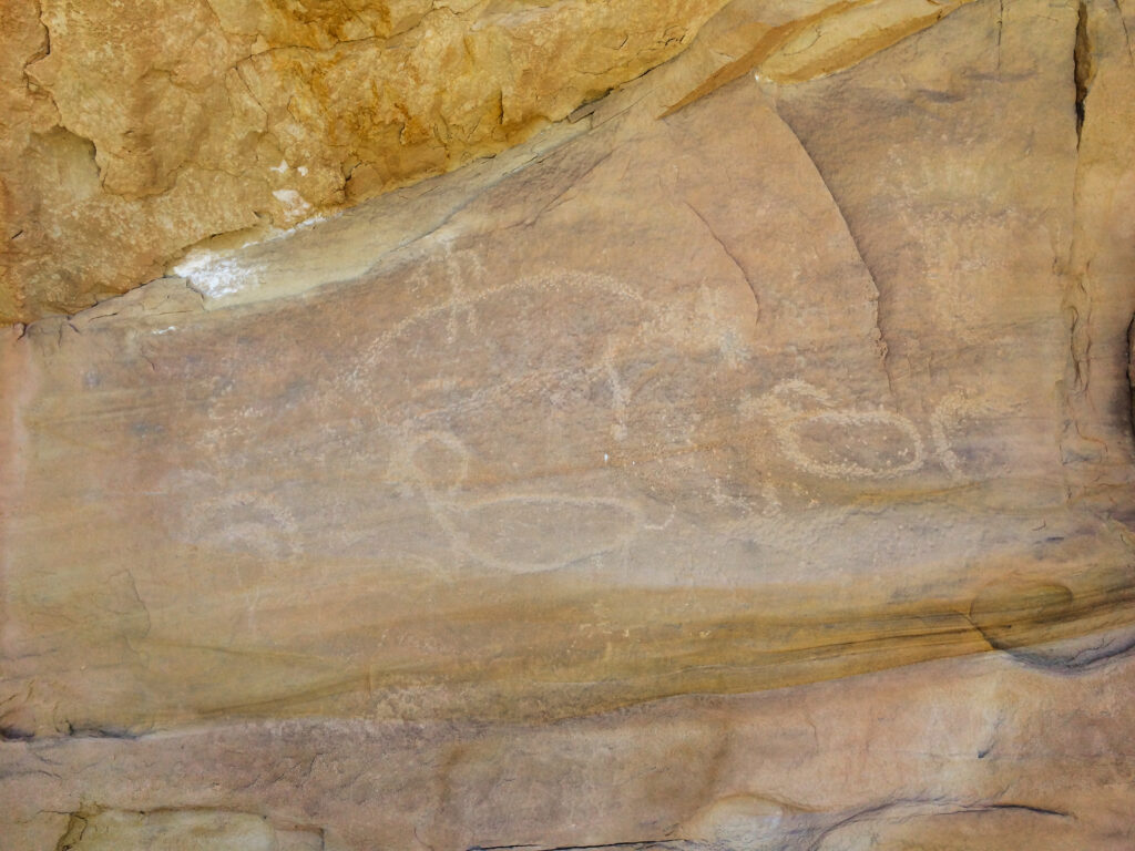 This hike allows you to see some of the petroglyphs in Monument Canyon
