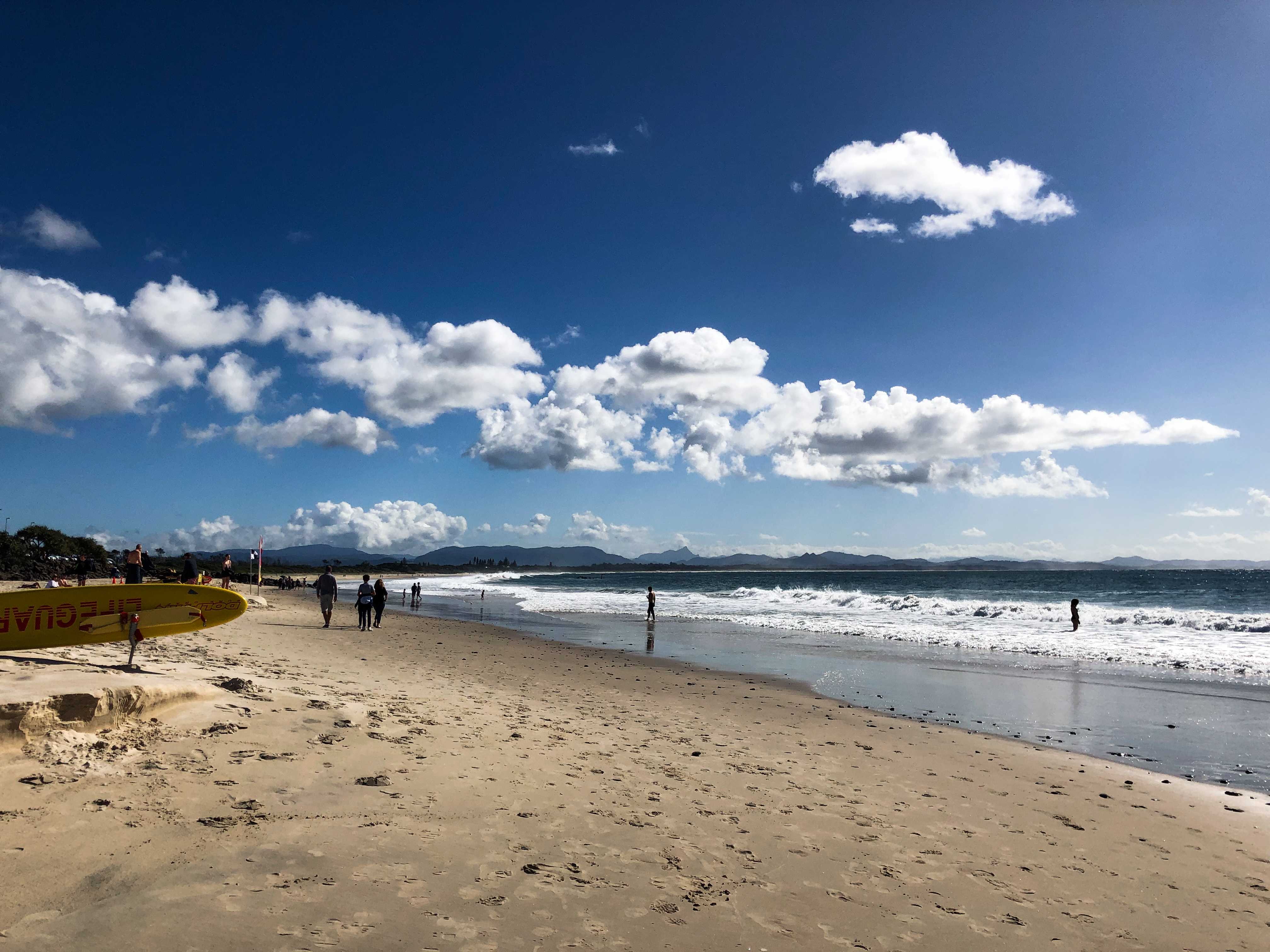 The main beach at Byron Bay makes for a beautiful day trip from Brisbane