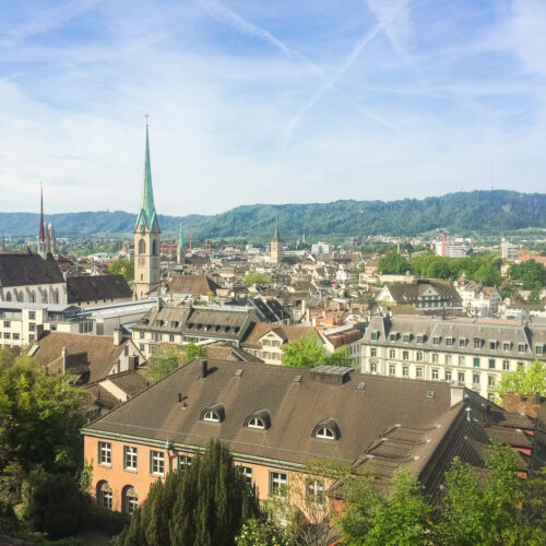 Zürich is known for its old town, historic building, luxury shopping, and amazing Swiss food! There is so much to do for 24 hours in Zürich, Switzerland!