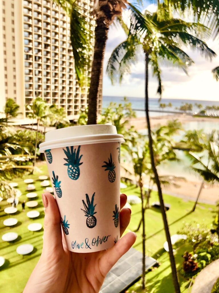 A popular Waikiki cafe is Oliver & Oliver, which is located in the Surfjack Hotel. In addition to their delicious coffee and tea menu, they have a curated mix of clothing and accessories reflecting the Hawaiian culture and beach style.