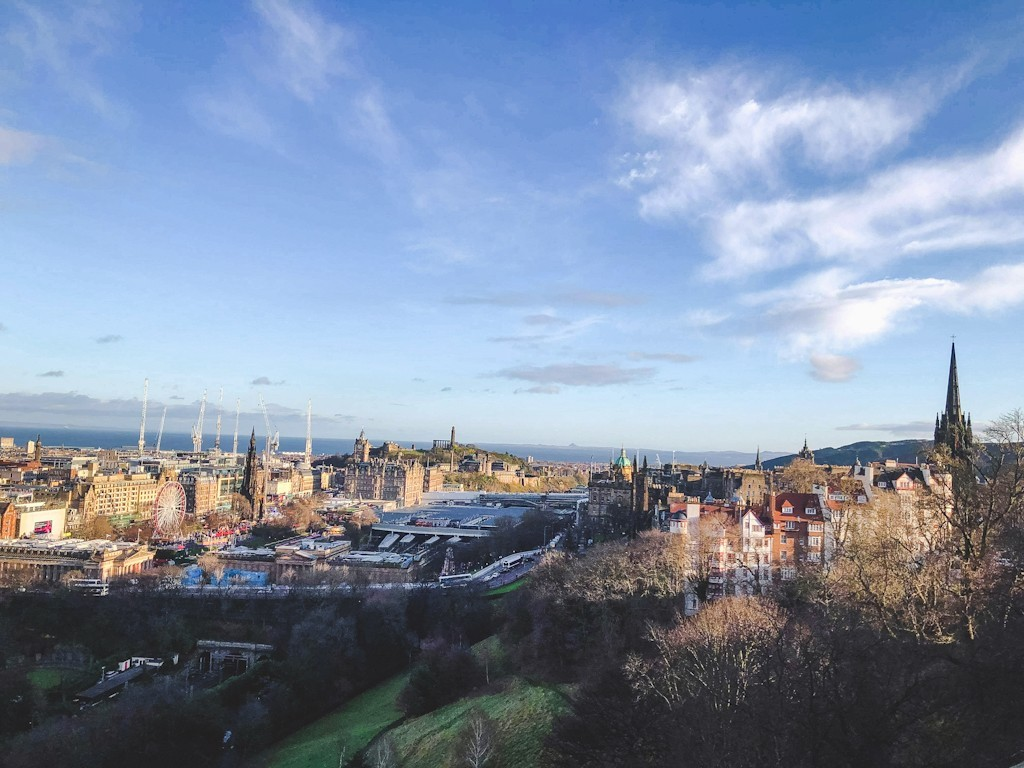 Edinburgh is a city that has so much history in its streets. It's a very walkable city as Edinburgh's main attractions are concentrated around the Old Town's Royal Mile between Edinburgh Castle and Holyrood Palace.