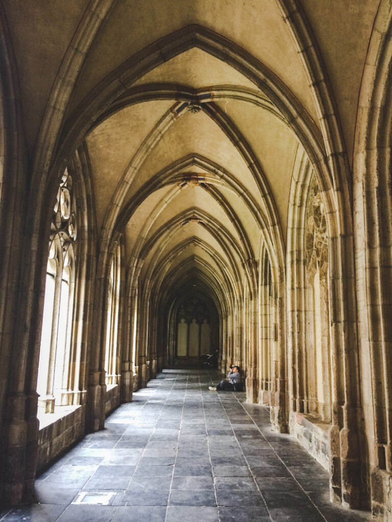 Walking through here made me feel like I was walking through the halls of Hogwarts!